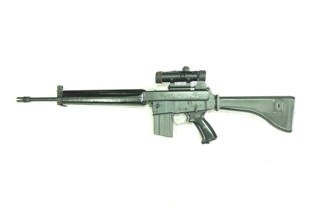 ARMALITE MOD.AR180 CAL.223REM CON OTTICA